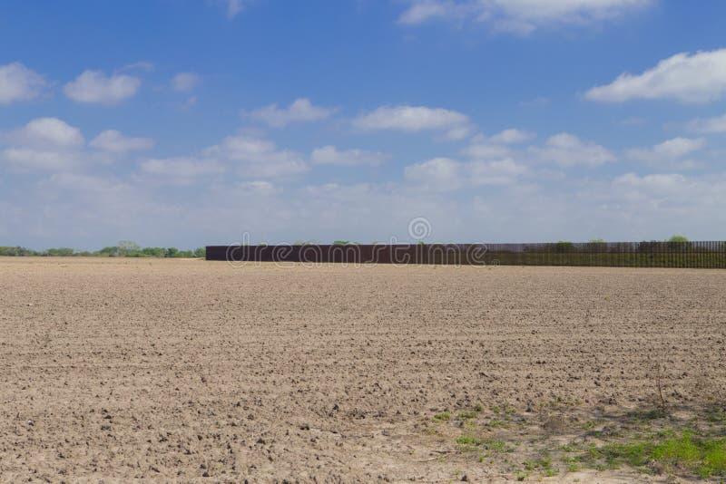 Südgrenzewand in Brownsville, Texas stockfotos