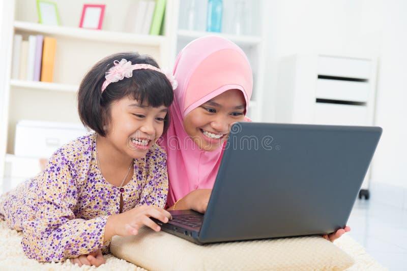 Südostasiatische Kinder stockfoto