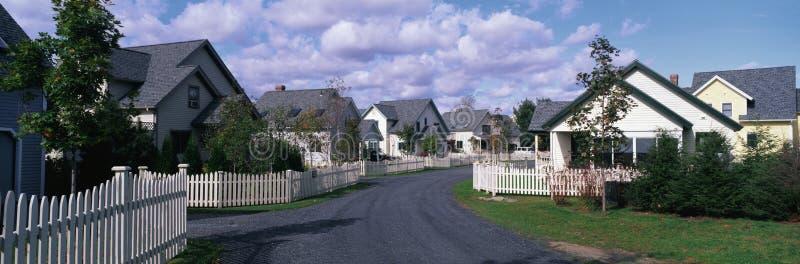 Sąsiedztwo podmiejscy domy zdjęcie stock