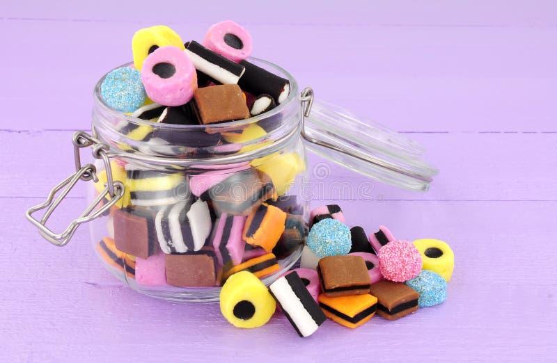 Słój likworu Allsorts cukierek obrazy stock