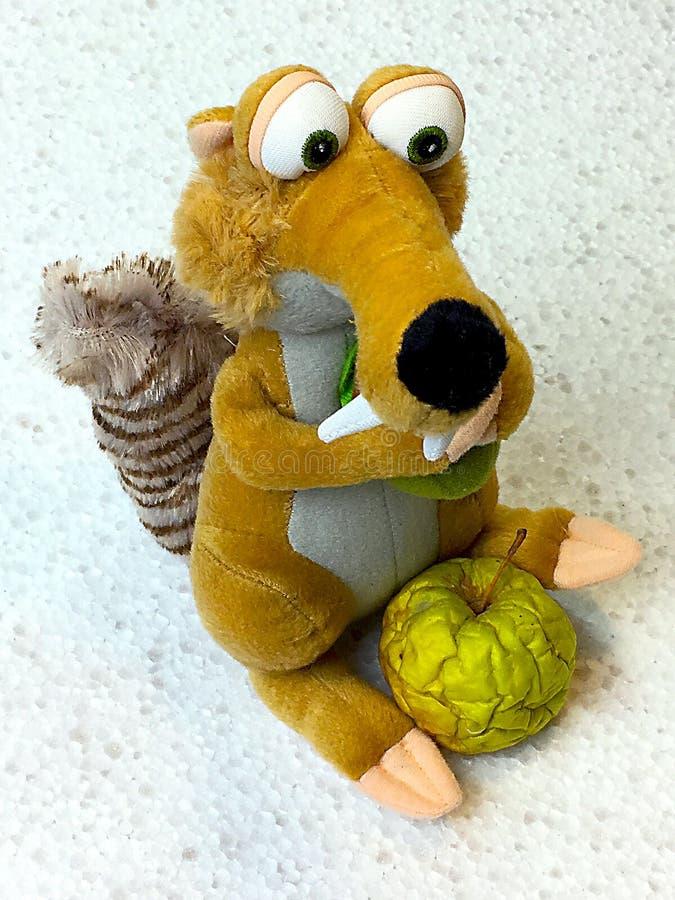 Sławna film wiewiórka z jabłkiem zdjęcie stock