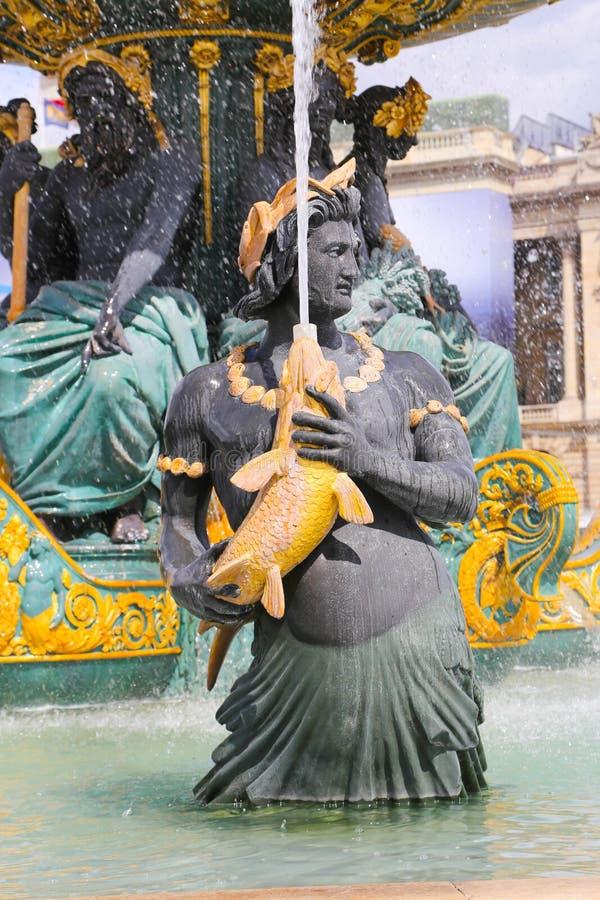 Sławna fontanna w Paryż zdjęcia royalty free