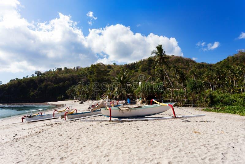 Sławna kryształ plaża przy Nusa Penida wyspą zdjęcia stock