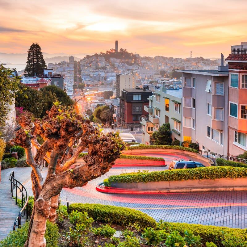 Sławna lombard ulica w San Fransisco obraz royalty free
