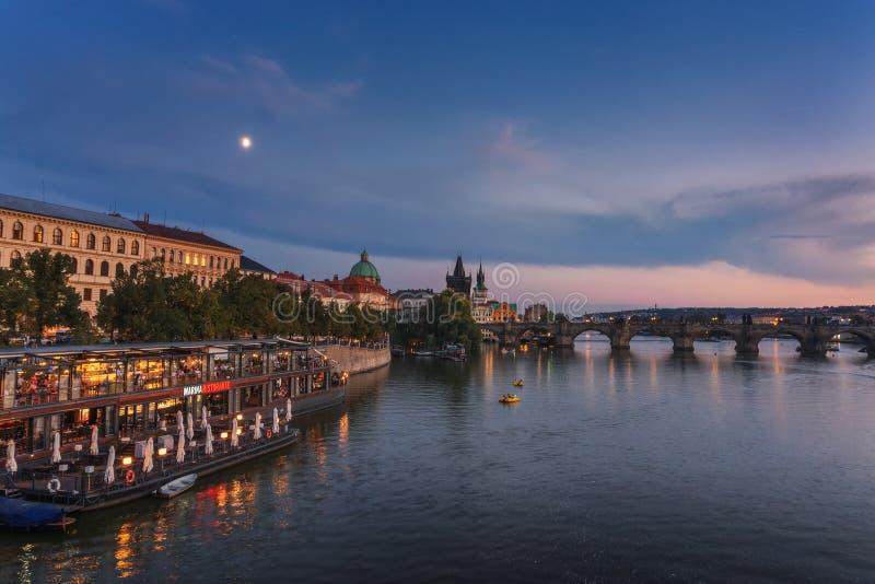 Sławna Marina restauracja w Praga przy zmierzchem zdjęcia royalty free
