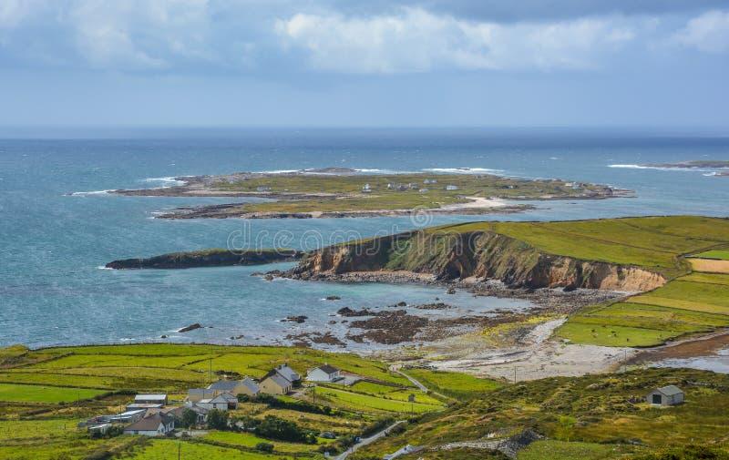 Sławna niebo droga blisko Clifden, okręg administracyjny Galway, Irlandia fotografia stock