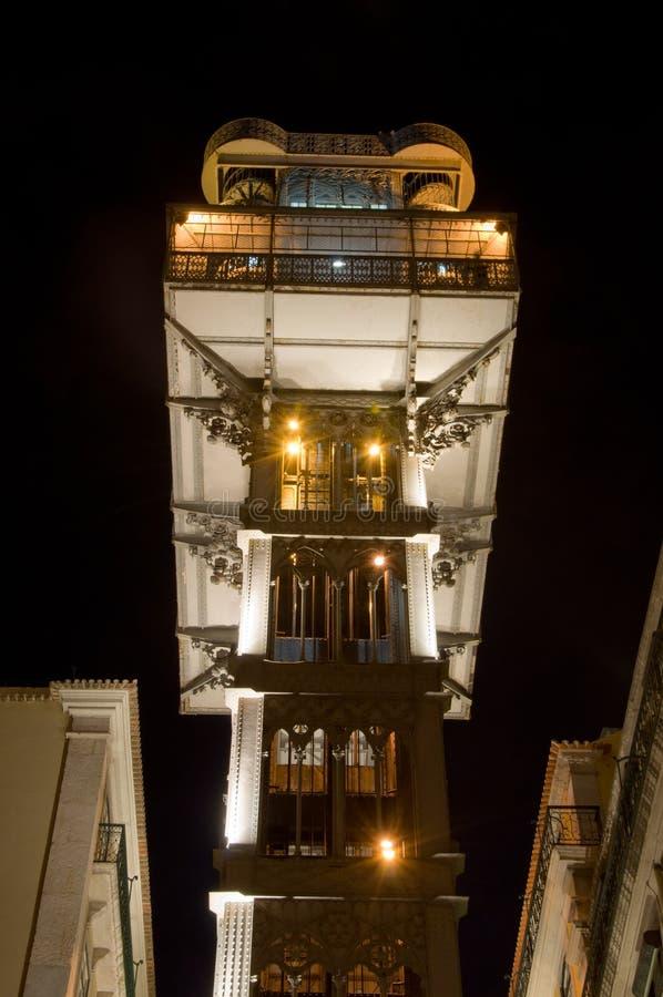 Sławna Portugalska winda przy nocą obraz stock