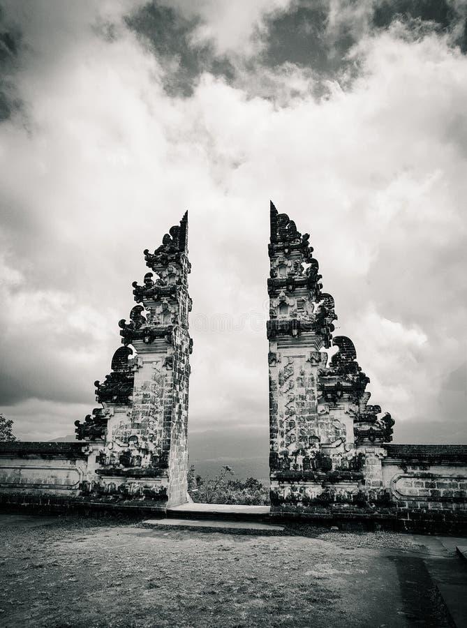 Sławne Bali bramy przy Lempuyang świątynią zdjęcie stock