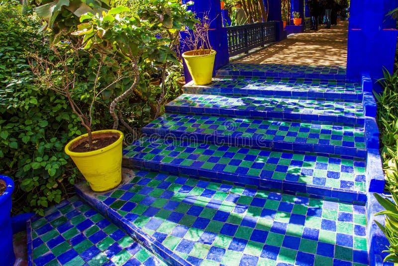 Sławne marokańskie płytki w Majorelle ogródzie obrazy stock