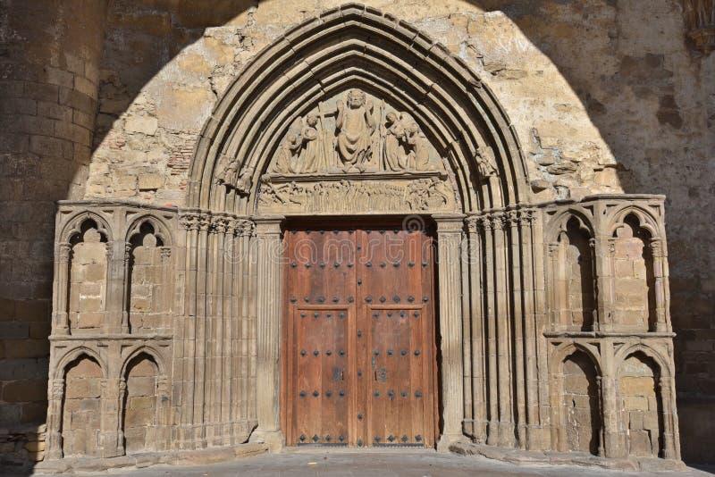 Sławni kościół antyczny Hiszpański grodzki Sanguesa obrazy royalty free