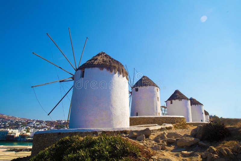 Sławni młyny na Mykonos wyspie fotografia stock