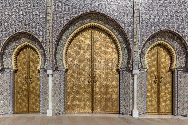 Sławni złoci drzwi Palais Royale w fezie zdjęcia stock