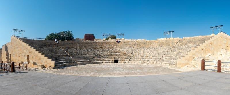 Sławny Antyczny theatre Kourion w Limassol, Cypr zdjęcia stock