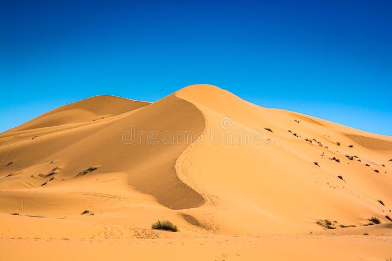 Sławny diuna erg Chebbi w Maroko, blisko Merzouga zdjęcia stock