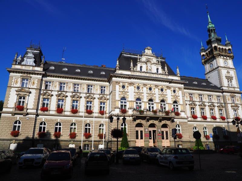 Sławny dziejowy urzędu miasta budynek w europejskim centrum miasta BIELSKO-BIALA w Polska obraz stock