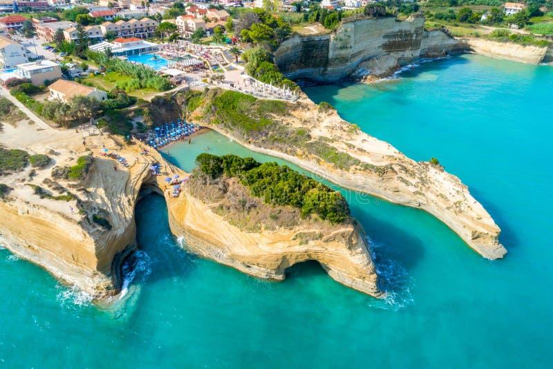 Sławny Kanałowy d ` amour w Sidari, Corfu -, Grecja obraz royalty free