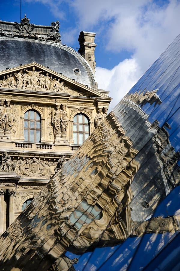 Sławny louvre muzeum zdjęcia royalty free