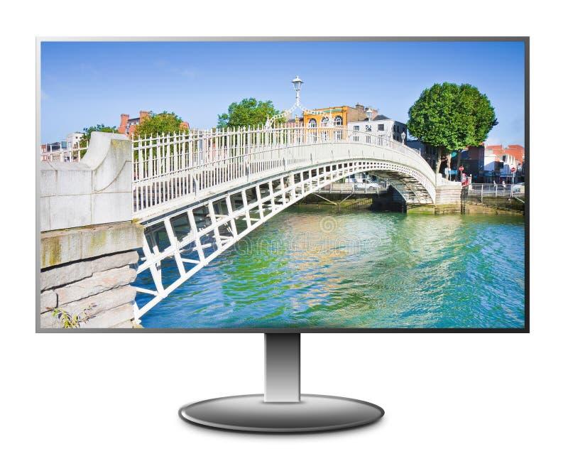 Sławny most w Dublin dzwonił Połówkę centu mostu opłaty opłata drogowa ładować dla przejścia - 3D renderingu pojęcia wizerunek fotografia stock