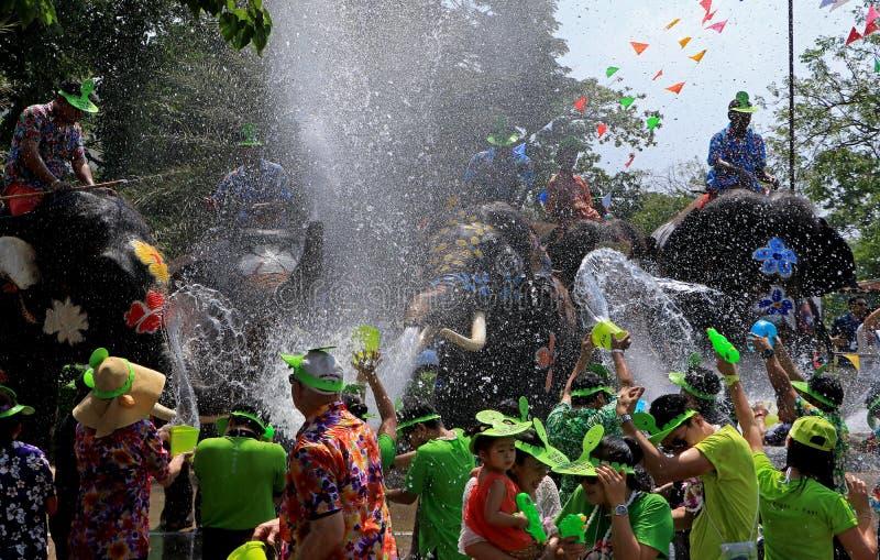 Słoń sztuki wody bitwa podczas Songkran obrazy royalty free