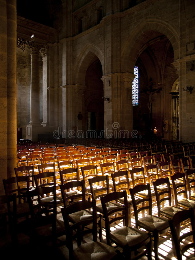 Słońce błyszczy wśrodku kościół obrazy royalty free
