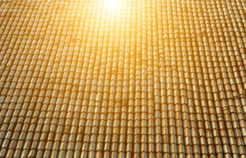 słońce dach z ceramicznymi płytkami obrazy stock