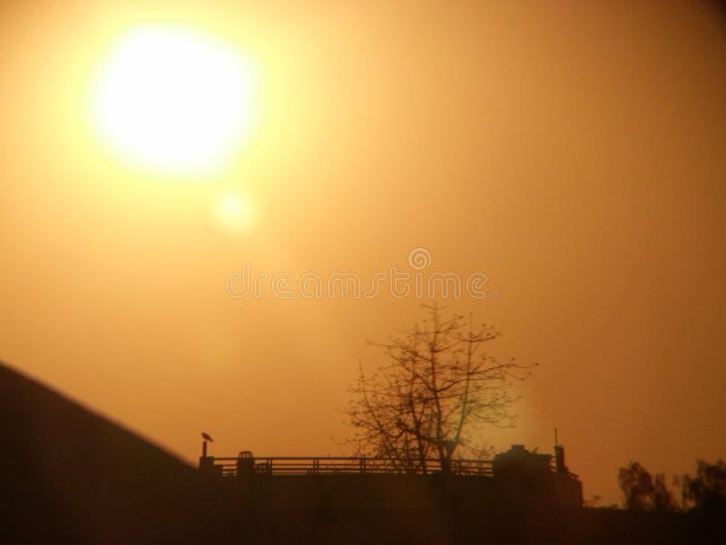 słońce i miasto obraz royalty free
