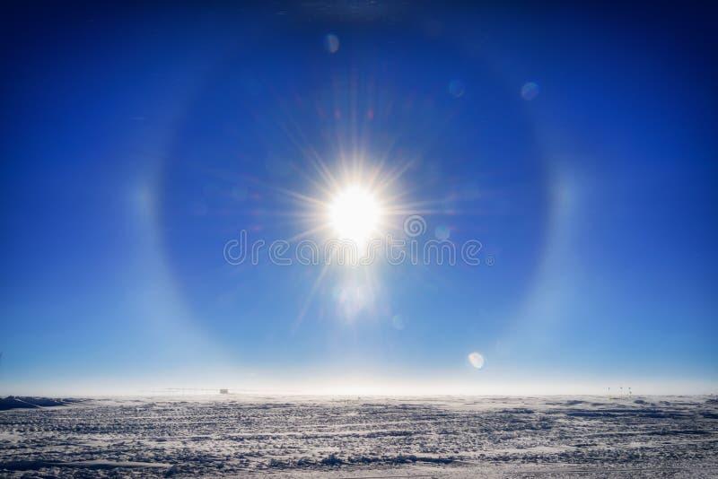 Słońce pies przy Południowym słupem obraz royalty free