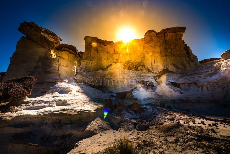 Słońce ustawia nad Wahweap Hoodoos blisko Kanab obrazy royalty free