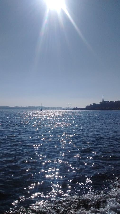 Słońce wody morskiej błękit obrazy stock