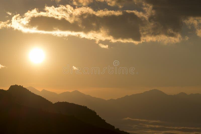 Słońce zmierzch zdjęcia stock