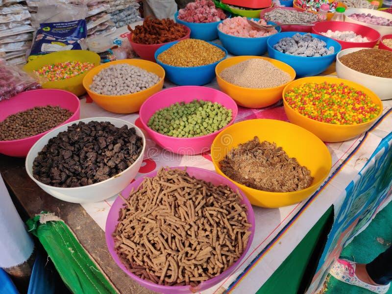 Słodcy indianów naczynia, cukierki i zdjęcia stock