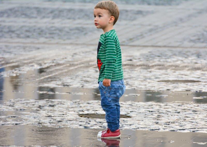 słodka chłopca zdjęcia royalty free