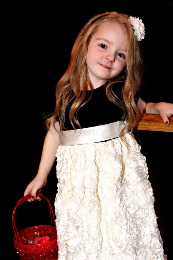 Słodka mała dziewczynka z długie włosy obrazy royalty free