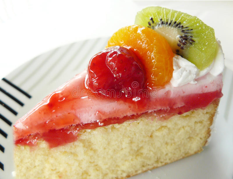 Słodki waniliowy kremowy owoc tort zdjęcie stock