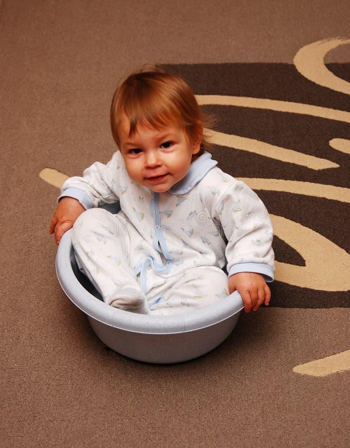 słodkie dziecko dziewczyny paneuropejskich posiedzenia obrazy stock