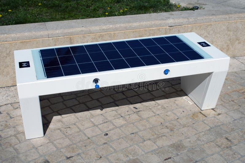 Słoneczna ławka fotografia stock