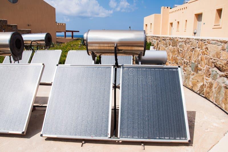 słoneczna nagrzewacz woda zdjęcie stock