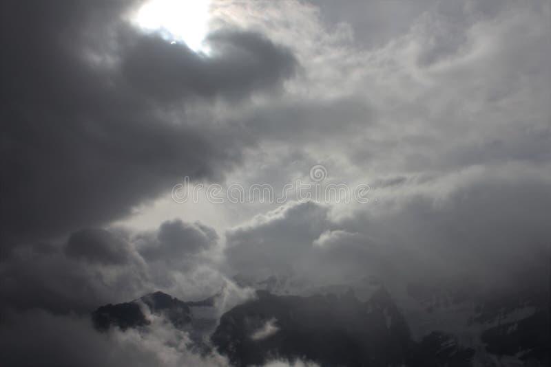 Słoneczne chmury obraz stock
