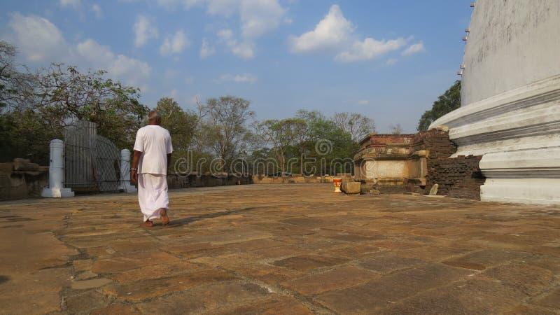 Słoneczny dzień na pielgrzymki miejscu w Auradhapura Sri Lanka obrazy stock