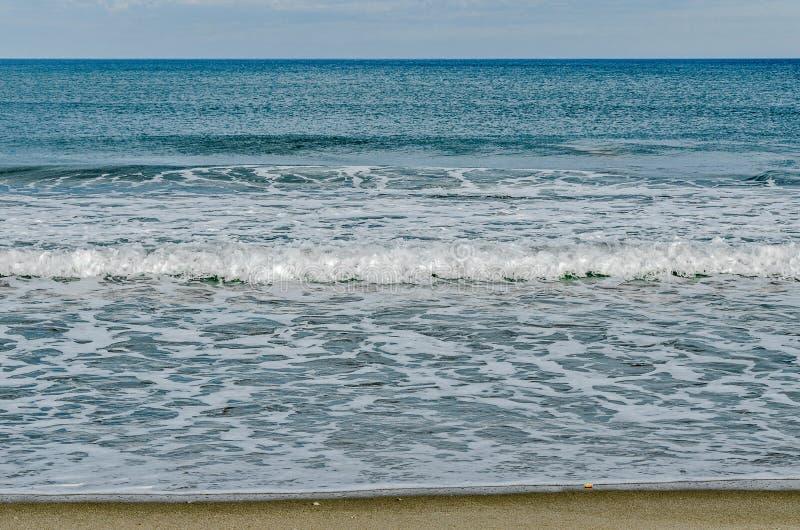 Słoneczny Dzień przy Atlantyckim oceanem zdjęcia stock