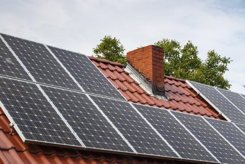 Słoneczny poborca na budynku w Ruehstaedt, Niemcy, 2017 fotografia royalty free