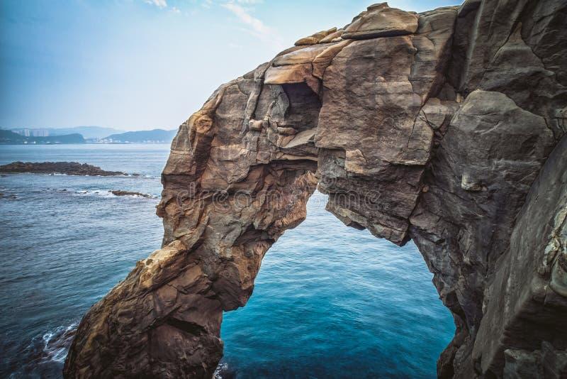 Słonia bagażnika skała w Shenao Ruifang okręg, Nowy Taipei, Tajwan zdjęcia stock