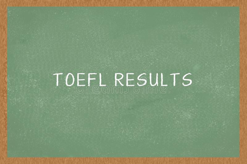 Słowa TOEFL rezultaty na Chalkboard tle, Test angielszczyzny jako języka obcego pojęcie TOEFL egzamin zdjęcia royalty free
