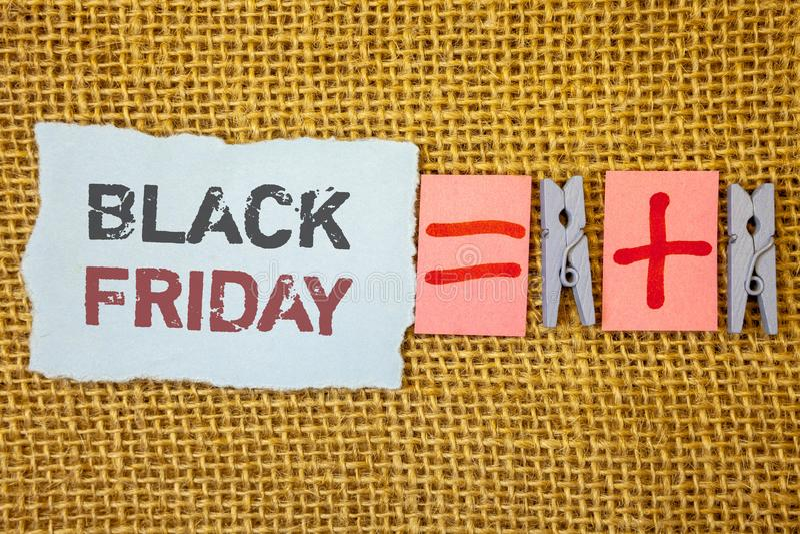 Słowa writing tekst Black Friday Biznesowy pojęcie dla Specjalnych sprzedaży po dziękczynienie zakupy pomija odprawę obraz stock