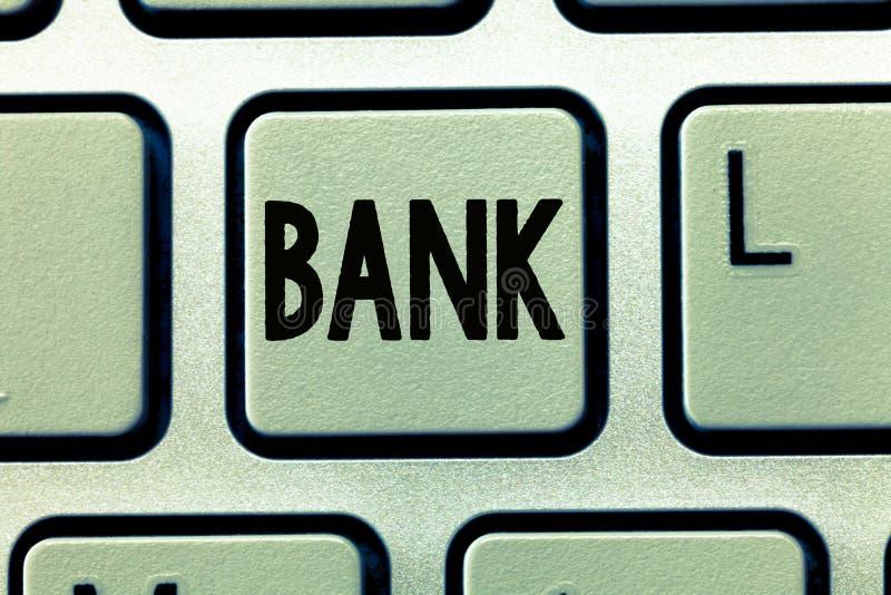 Słowa writing teksta bank Biznesowy pojęcie dla organizaci dokąd ludzie i biznesy mogą inwestować ukopu pieniądze fotografia royalty free
