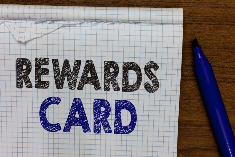 Słowa writing teksta nagród karta Biznesowy pojęcie dla pomocy zarabia gotówkowe punkt mily od codziennego zakupów bodzów markier zdjęcie royalty free