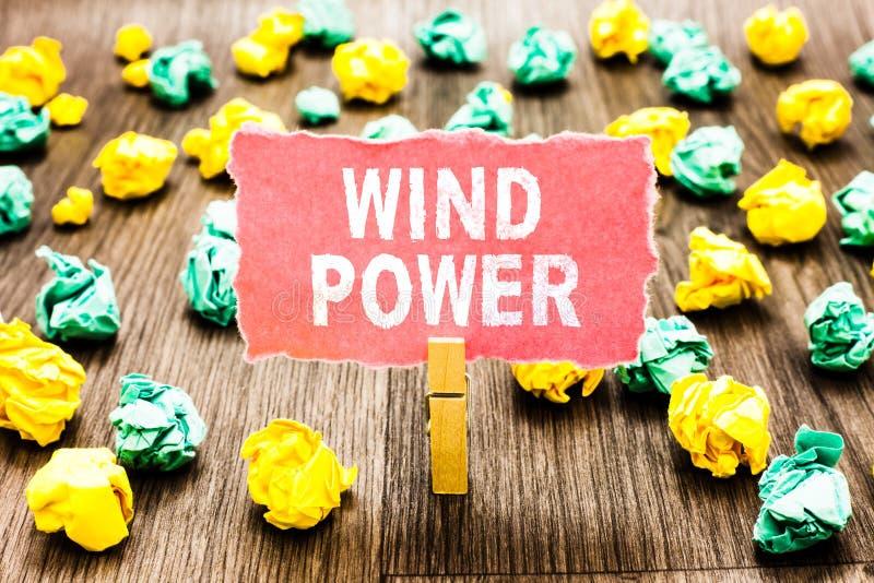 Słowa writing teksta siła wiatru Biznesowy pojęcie dla use lotniczy flowto zapewnia machinalną władzę obracać generatoru Clothesp zdjęcie stock