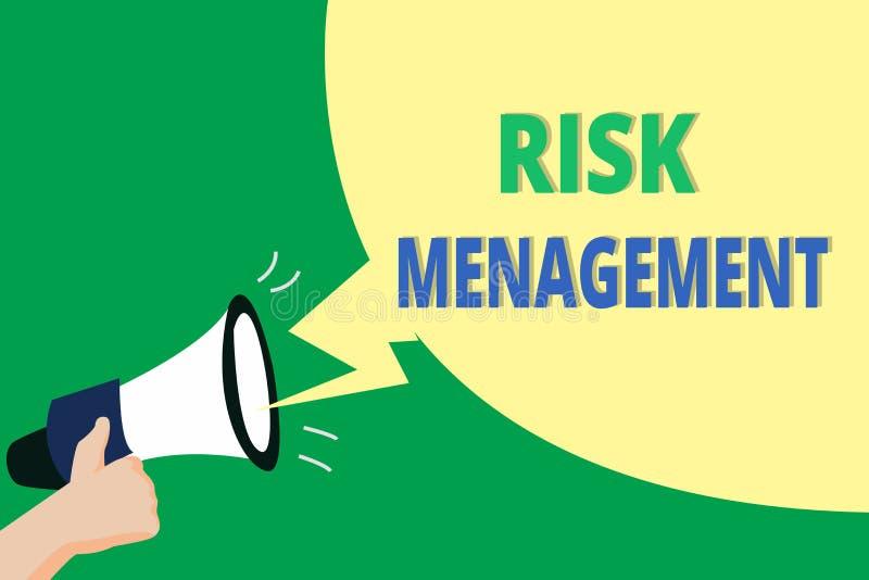 Słowa writing teksta zarządzanie ryzykiem Biznesowy pojęcie dla cenienia pieniężni zagrożenia lub problemy z procedurami royalty ilustracja