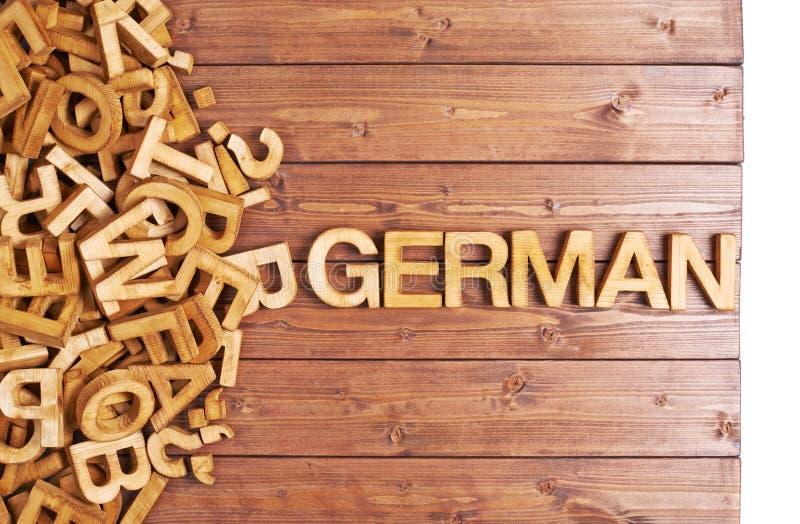 Słowo niemiec robić z drewnianymi listami fotografia royalty free
