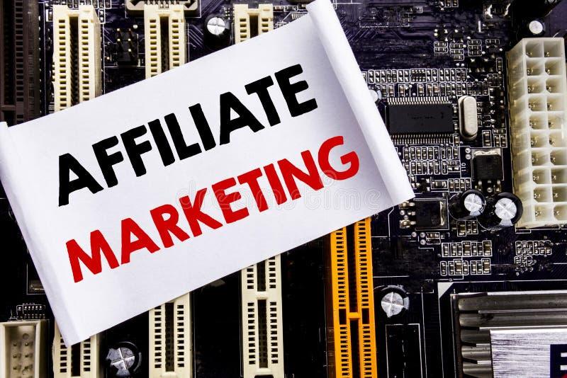 Słowo, pisze filia marketingu Biznesowy pojęcie dla Internetowego Online Pisać na kleistej notatce, komputerowy głównej deski tło obraz stock